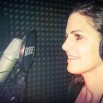 Sprechen: MONA im Heimstudio. Aufnahme aus dem Jahr 2015. Foto: Lina