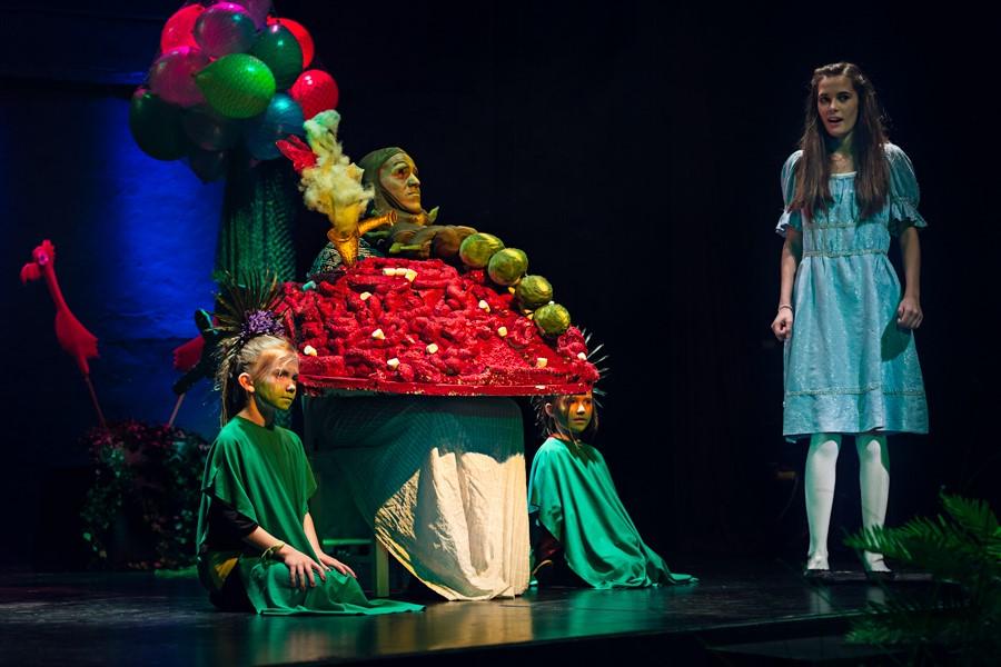 Bühne: Alice im Wunderland